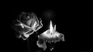 Rose et bougie : wallpaper noir et blanc sur fond noir